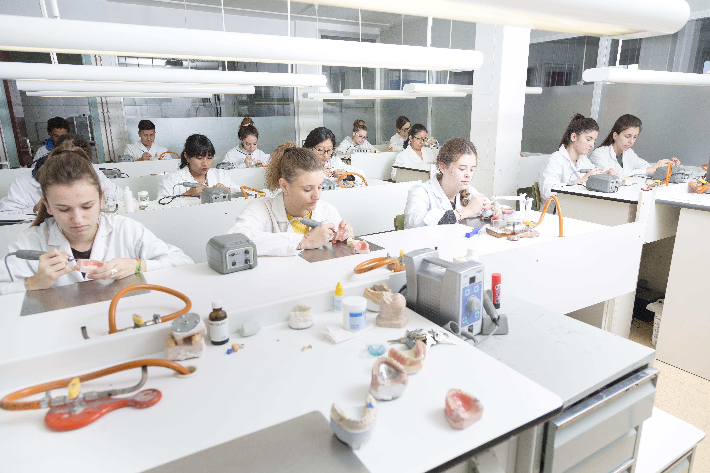 Centro de referencia nacional Escuela Sanitaria (7)